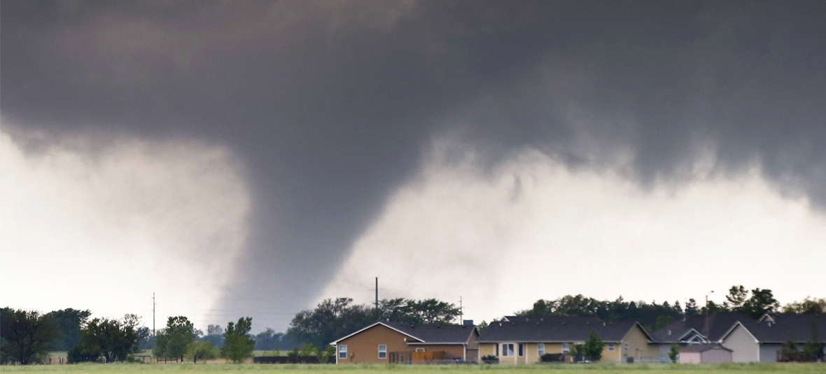 27 Revealing Photographs of Severe Storms Hitting the Plains on Mothers Day Weekend